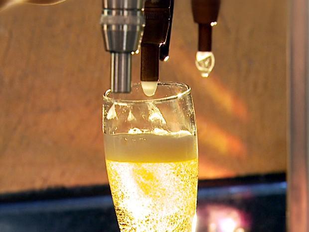Jovens de Campinas aumentam o consumo de bebidas alcoólicas (Foto: Reprodução EPTV)